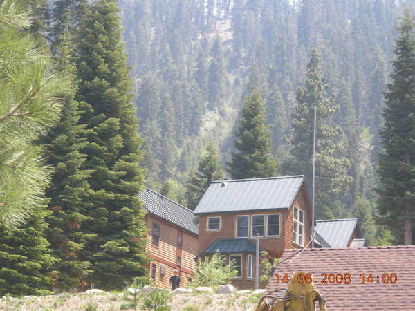 湖邊的度假木屋