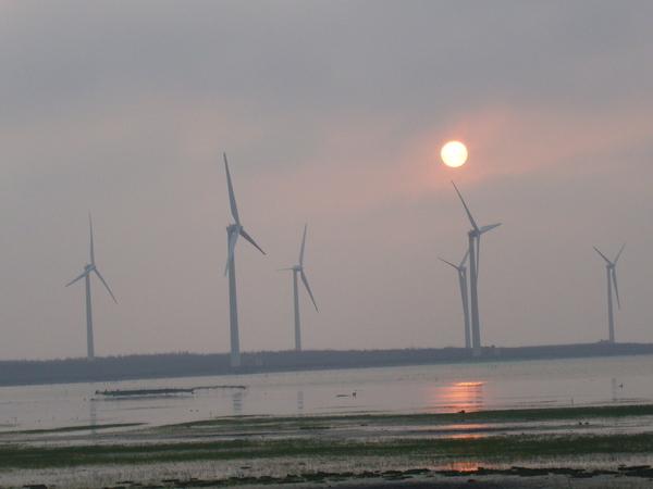 飛奔的夕陽.JPG
