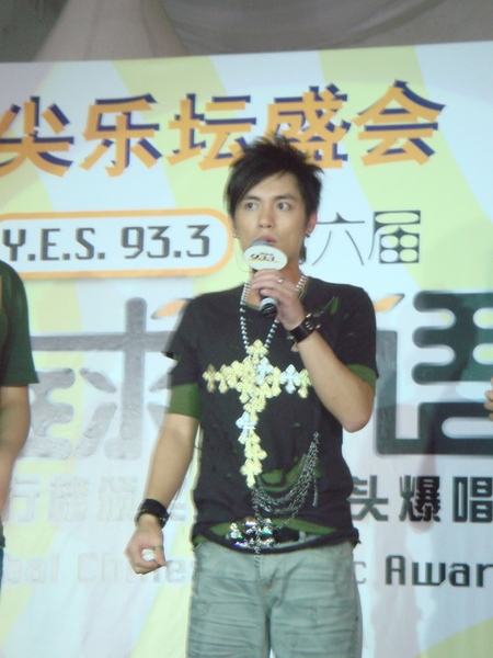 全球華語歌曲排行榜演出...在新加坡