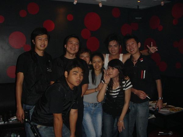 with馬來西亞辛苦的工作人員