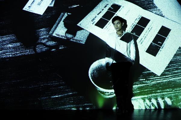 3這些創意投影圖片是范逸臣的作品.jpg
