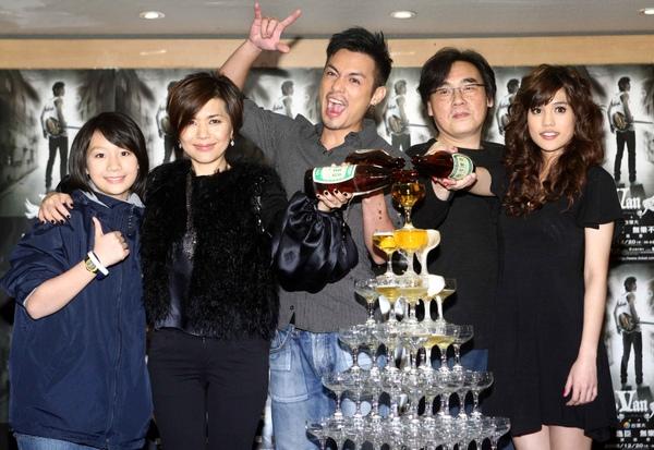麥子(左起)、張清芳、范逸臣、陳復明、夏宇童1.jpg