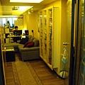 VBS總部玄關處