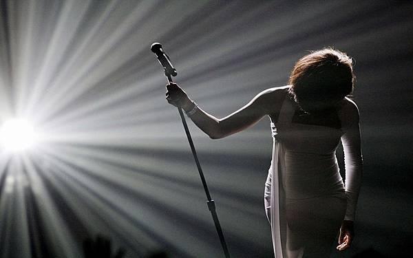 background-singer_on_stage