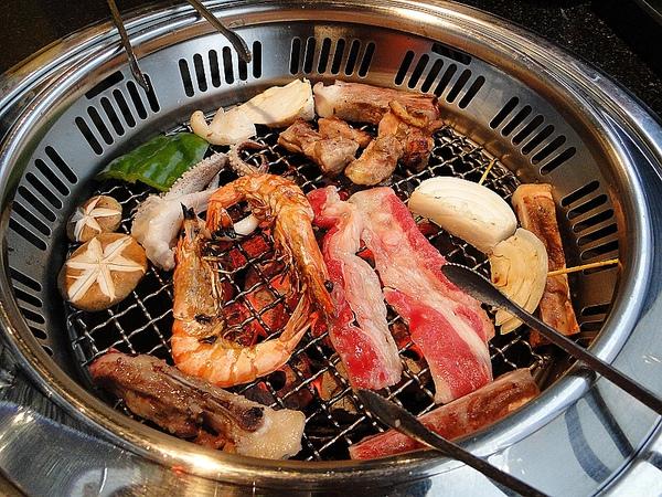 大吉石燒~炭烤吃到飽