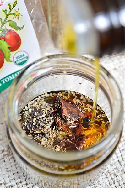 自製有機香料番茄浸漬橄欖油