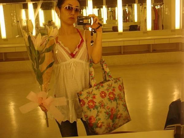 嘿,美麗的花。與我的愛袋花花袋。