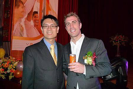 20130224參加維瑪台灣Verve新品上市暨表揚大會與Tom成功經驗分享並上台接受表揚