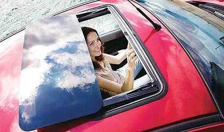 你知道汽車天窗真正的用途是什麼嗎?