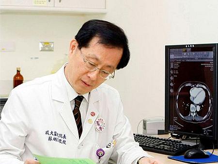 成大醫院院長林炳文因癌病逝,享年61歲 ....。他留下很深的幾段話。