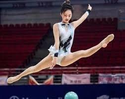 大家還記得嗎?藝術體操比賽比NBA女主播還美.jpg