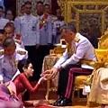 ♥ [影片分享] 泰國國王的「奢華生活」!珍藏跑車讓人大開眼界!.jpg