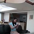 ❤ [影片分享] 男子懷疑妻子有別的男人,偷偷在房間裝監視器,錄下的畫面讓人不寒而慄!.jpg
