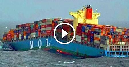 ❤ [影片分享] 大船準備停靠碼頭,監控拍下了這一幕.jpeg
