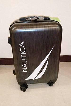 辦 兆豐信用卡 送的 行李箱.jpg