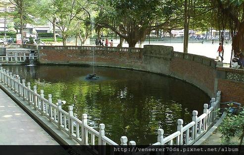 孔廟內的半月池