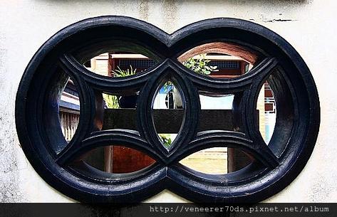 銅錢造型窗