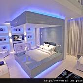 miami-blue-suite-hard-rock-hotel-interior-las-vegas-550x366