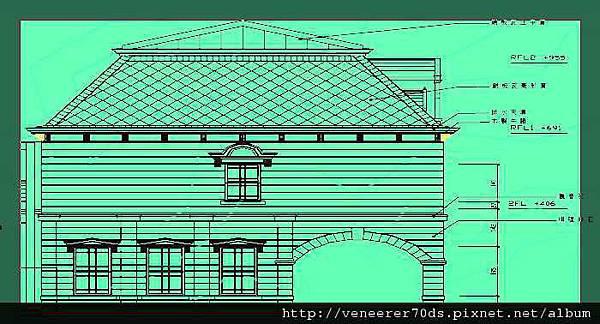 """""""馬薩氏屋頂""""(Mansard Roof ,或稱複折式屋頂,是歐洲巴洛克時期後常見的屋頂形式),並覆以銅片作為屋脊收邊,特別有味道;屋頂並開有老虎窗與牛眼窗,非常典雅古樸,不僅採光並可通風,整體屬仿歐洲文藝復興樣式的建築。"""