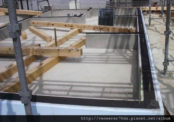其它住宅施工时,钢筋混凝土基础墙的顶面,铺设密封材料的情况