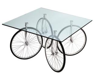 Tour Table 桌子