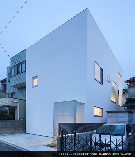 dezeen_House-T-by-Takeshi-Hamada_4