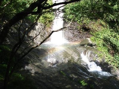山風瀑布(橋下)