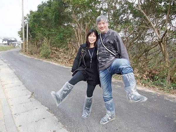 穿上鞋套-2011.1.8.JPG
