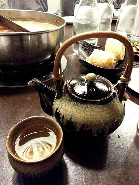 招待綠茶-史記鴛鴦麻辣鍋-2013.4.22.jpg