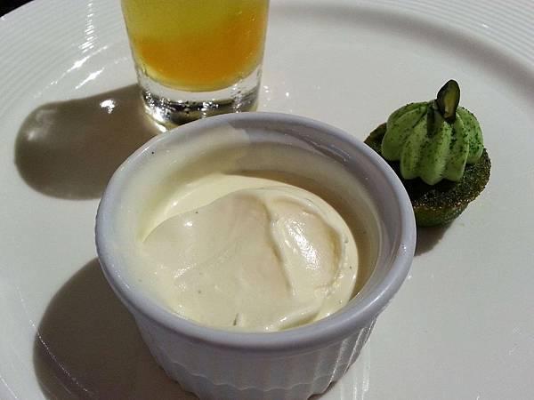 冰淇淋-2013.5.19 (2).jpg