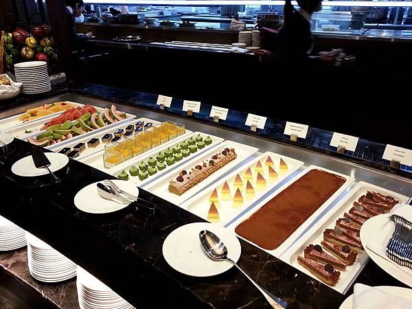 甜點區-2013.5.19 (2).jpg
