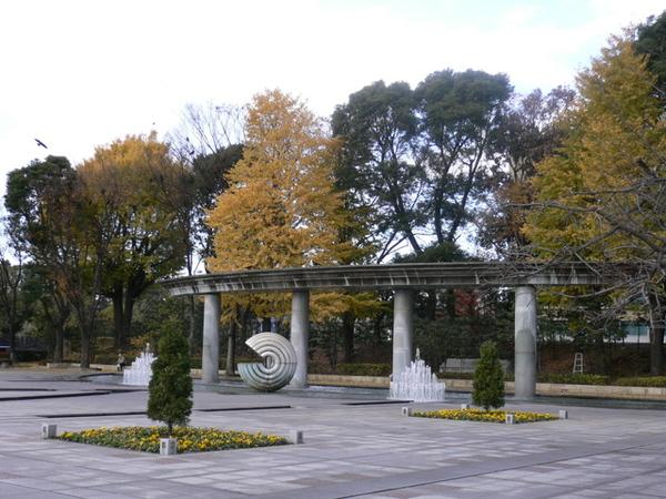 和田倉噴水公園一景