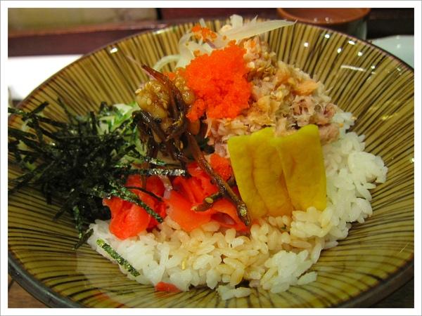綜合魚親子拌飯IMG_0490-1.jpg