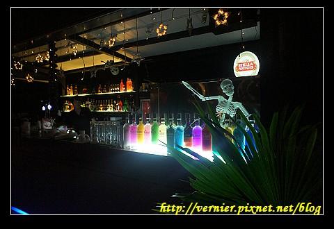 紅樓外酒吧