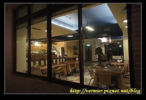 簡單溫馨的餐廳內部