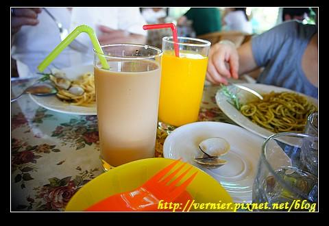 柳橙汁和咖啡