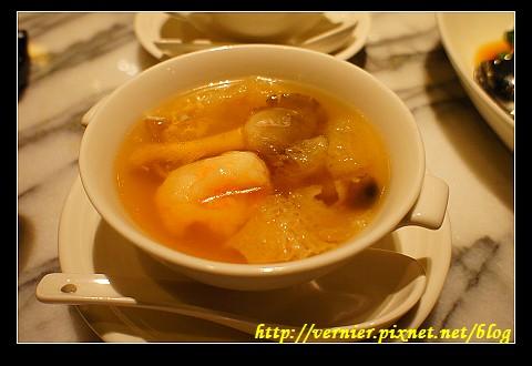竹笙蝦丸湯