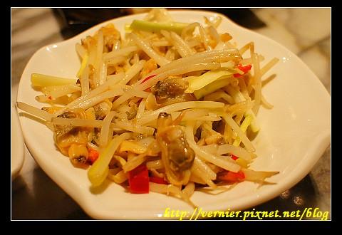 韭黃銀芽炒蛤肉