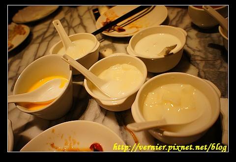 椰果西米露杏仁豆腐與香芒奶酪