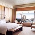《The Ritz-Carlton Millenia Singapore》新加坡麗思卡爾頓美年飯店 Enjoy Our Summer暑假優惠專案-2.jpg
