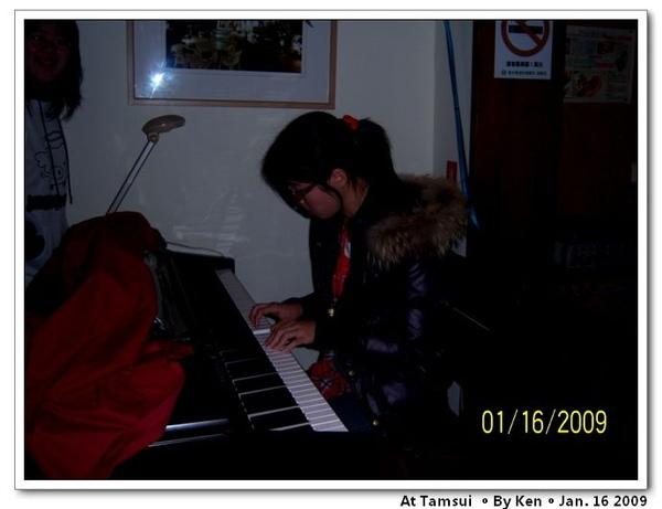 Joy play the piano