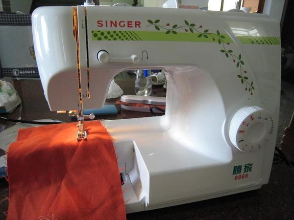 縫紉機-1.JPG