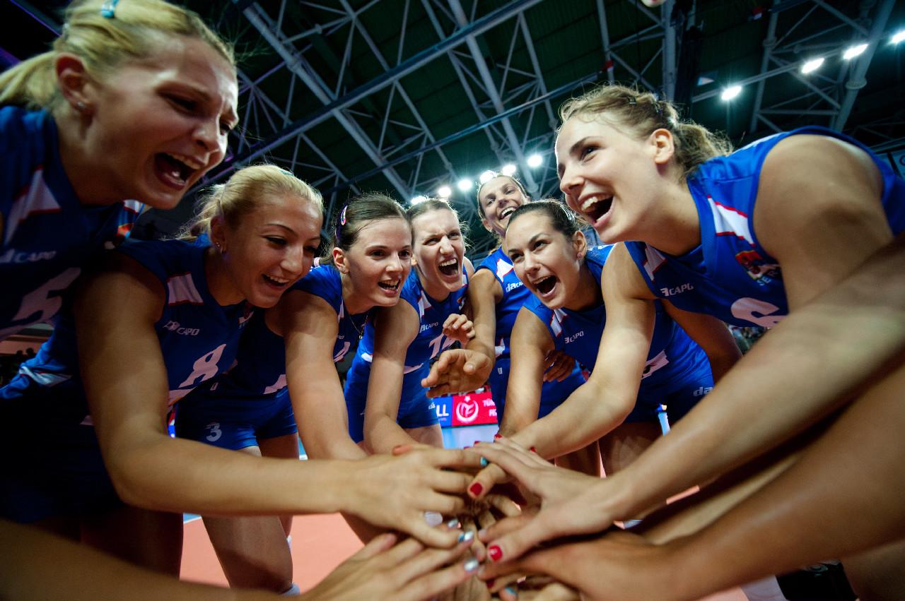 塞爾維亞慶祝勝利.jpg