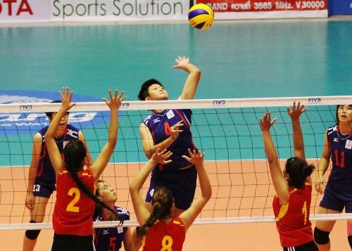 中華青女進攻