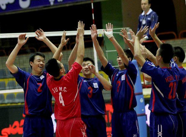 中華青少男慶祝勝利