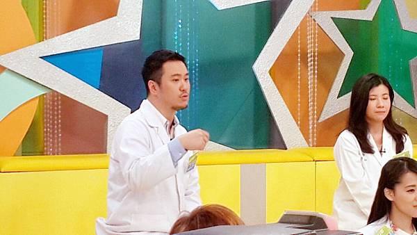 台灣知名綜藝節目來自星星的事_修.jpg