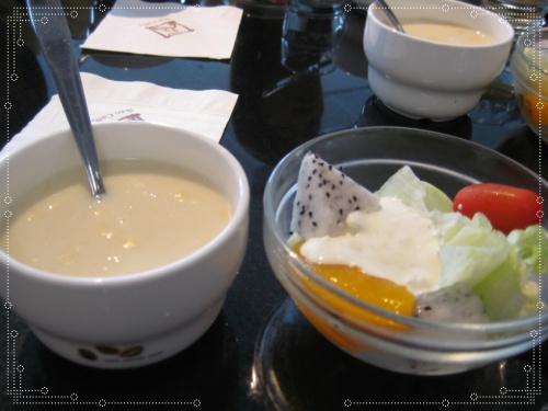 前菜&料多多ㄉ玉米濃湯