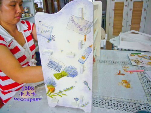 拼貼Decoupage蝶古巴特-卡夫卡拼貼彩繪藝術彩繪商品-美式風格鑰匙箱製作過程3.jpg