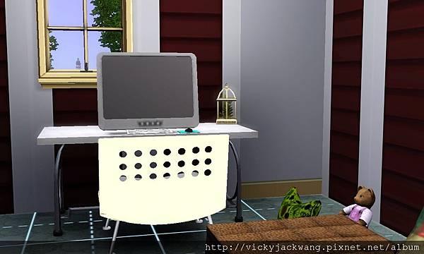 主臥室電腦