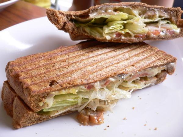起士薄脆燻雞三明治